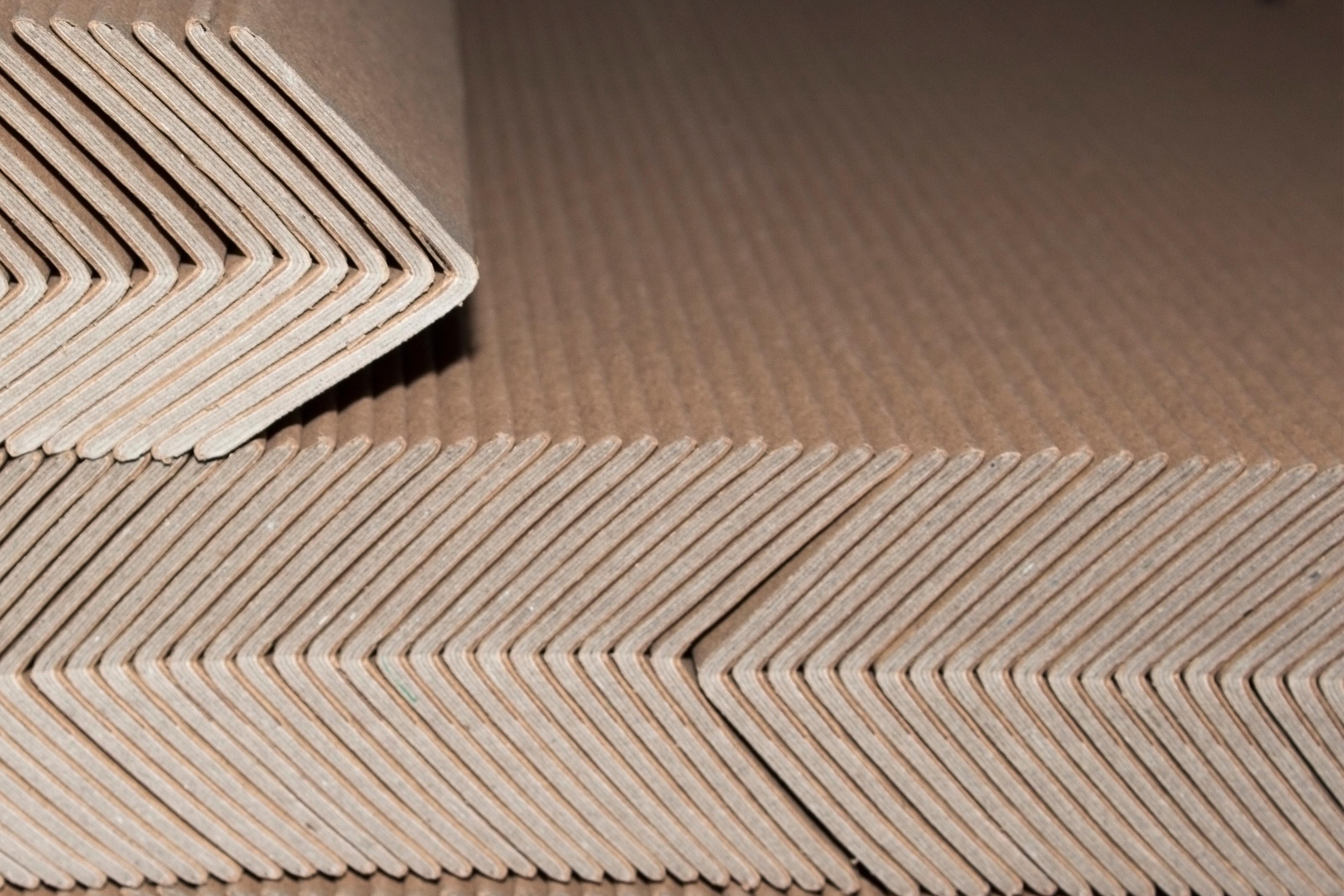 La importancia de las cantoneras de cartón en el embalaje industrial